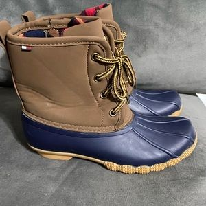 Tommy Hilfiger dick boots size 4